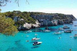 Испанските острови ще бъдат отворени за туристи още преди големите градове