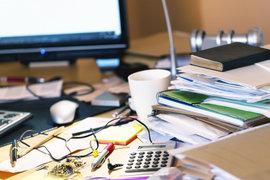 Разчистете хаоса от работното си място, за да работите по-добре