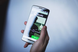 Илън Мъск готви удар за Apple Music и Spotify