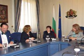 Вицепрезидентът Йотова обсъди двустранните ни отношения с новия френски посланик в България