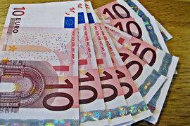 Еврото отслабва спрямо долара в днешната сесия