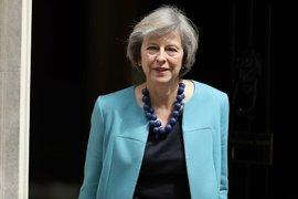 Тереза Мей обеща социални придобивки на работниците във Великобритания