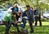 Учени и чиновници садиха дървета за Деня на Земята