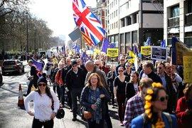 Великобритания ще регистрира европейските граждани преди Brexit