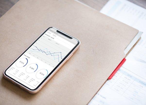 Потребителите на мобилното банкиране се увеличават всяка година