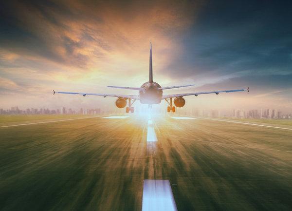 United Airlines добавя летни полети до Исландия, Гърция и Хърватия