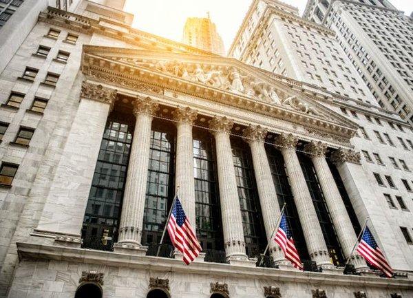 Фючърсите на акциите завършиха с печалба, законодателите продължават преговорите за стимулиране на борбата с COVID-19