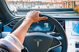 Илън Мъск заяви, че Тим Кук е отказал среща с него относно закупуването на Tesla от Apple