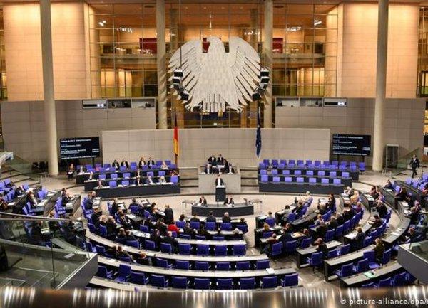 Кабинетът на Меркел одобри втори допълнителен бюджет заради коронавируса