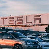 Акциите на Tesla разбиват рекорди