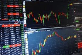 Борсовите фючърси се повишиха, инвеститорите претеглятсмесените сигнали за хода на търговската война