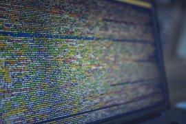 """ОББ въвежда софтуерни """"роботи"""", за да оптимизира работните процеси"""