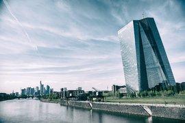 Европейският банков сектор се нуждае от повече сливания с цел ефективност