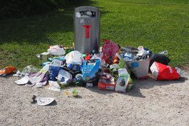"""ЕК може да санкционира България за неприлагането на принципа """"замърсителят плаща"""" при такса """"битови отпадъци"""""""
