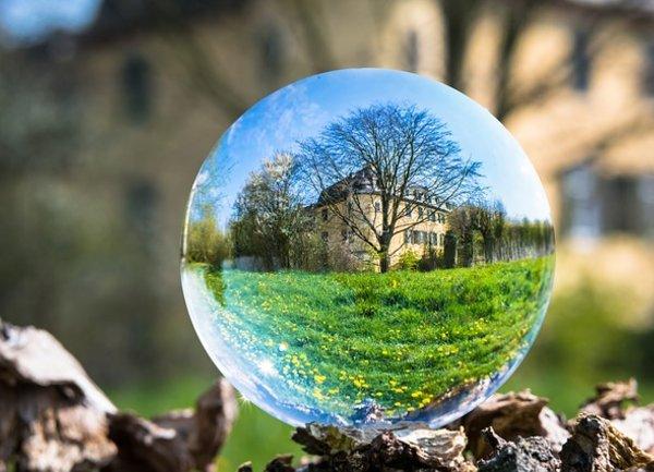 Новите продажби на жилища надминаха очакванията