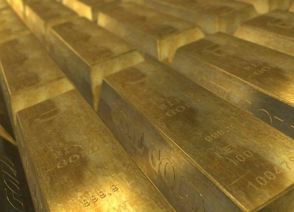 Полша увеличава значително златния си резерв