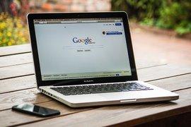 Над 80% от дигиталната реклама в света принадлежи на Google и Facebook