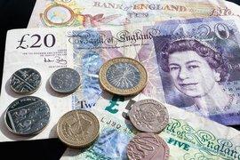 Британската лира отново потъва, пазарите отслабнаха преди решението на Фед