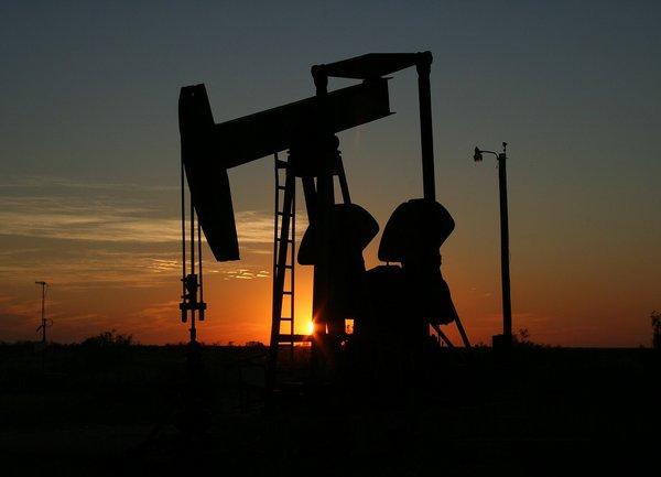 Цените на петрола могат да спаднат с 30%, ако ОПЕК не предприеме действия