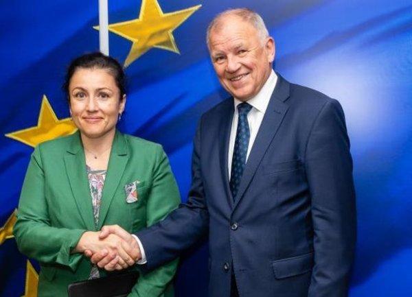 България получи 2.9 милиона евро от Брюксел за борба с Африканската чума