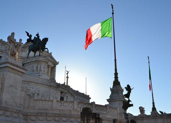 Президентът на Италия започва консултации за намиране на изход от политическата криза