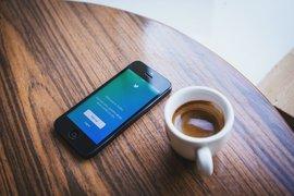 Twitter последва примера на Facebook за премахване на публикации, които отричат Холокоста