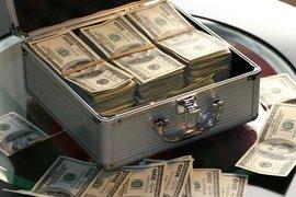Нарастващият дълг е много сериозен проблем, пред който са изправени правителствата