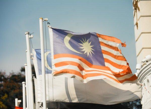 Дългът на Малайзия ще нараства, докато се бори с пандемията Covid-19