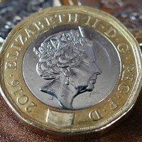 Паундът и акциите във Великобритания отбелязаха ръст
