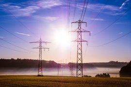 Бизнесът: КЗК да се задейства срещу нарушенията на електроенергийния пазар