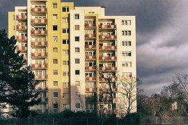 Жилищата в София пустеят