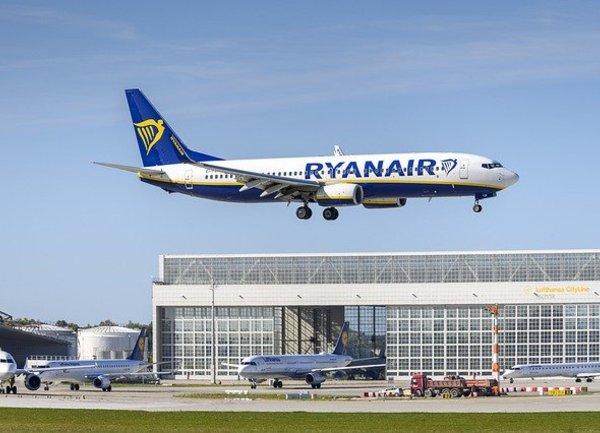 Ryanair намали полетите си през зимният сезон