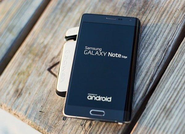 Samsung прогнозира спад на печалбите за четвъртото тримесечие поради слабото търсене и нарастващата конкуренция