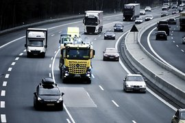 Транспортни гиганти планират да инвестират 593 милиона долара в европейска мрежа за зареждане на камиони