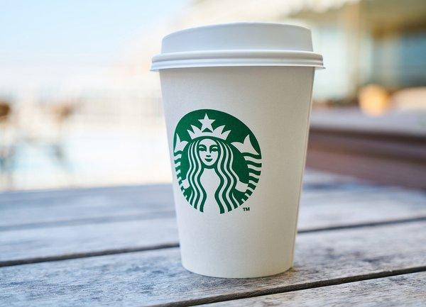 Starbucks надмина очакванията на Уолстрийт