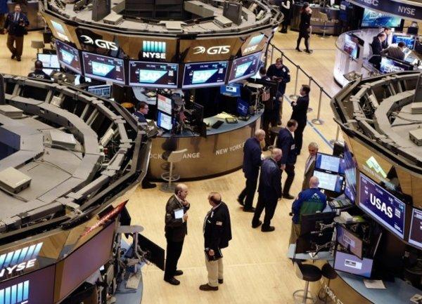 "Китай и Европа ""спасиха фондовия пазар"" на САЩ"