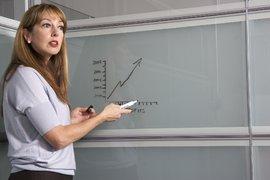 Учители с ИТ и икономически профил могат да получат стипендия