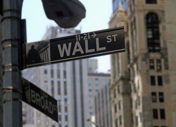 Фючърсите на Dow паднаха с повече от 100 пункта