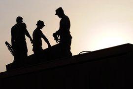 Средната брутна заплата към месец март е 1208 лв.